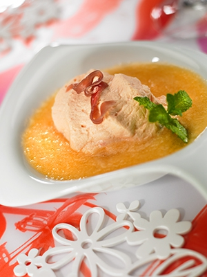 Chantilly de jambon fumé et son gaspacho de melon